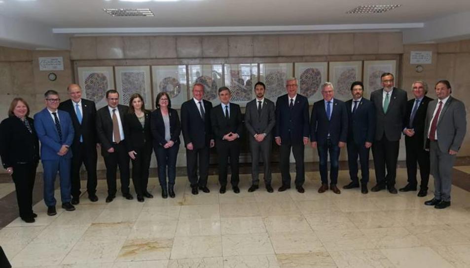Imatge de la reunió mantinguda avui entre els representants de les diferents administracions.