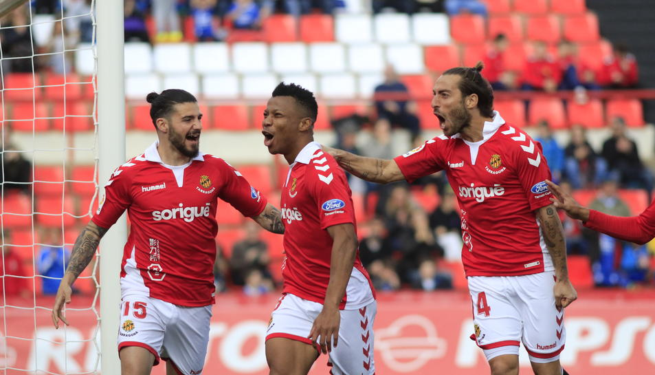 Pipa, Uche i Palanca, celebrant el gol que el nigerià li va marcar al Numancia