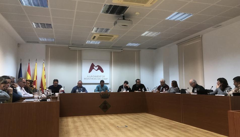 El ple de Mont-roig del Camp, reunit ahir, va aprovar tirar endavant el nou centre sociocultural.