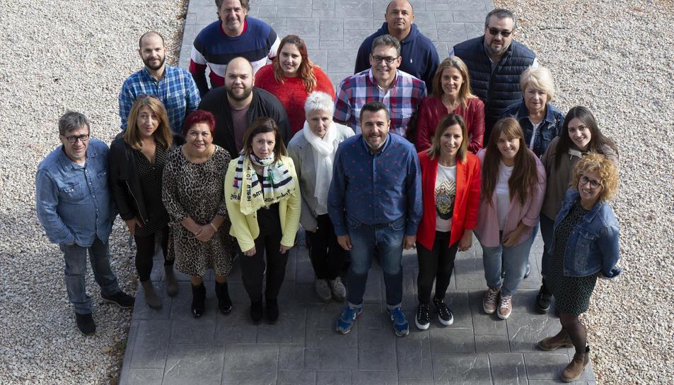 Foto de família dels integrants de ñ