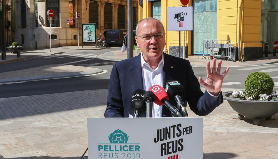 L'alcaldable Carles Pellicer ha volgut contestar a les declaracions de la cap de llista de la CUP, Marta Llorens
