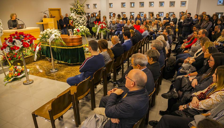 La cerimònia de comiat ha reunit desenes de persones dels àmbits familiar, social i polític.