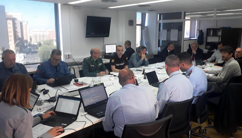El Centre de Coordinació Operativa a la subdelegació de govern a Tarragona seguint el simulacre.