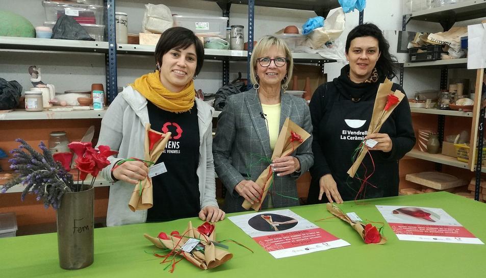 Les roses solidàries es posaran a la venda per 8 eruos a partir del 18 d'abril.