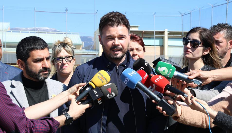 El número dos d'ERC a les eleccions espanyoles, Gabriel Rufián, a les portes de Soto del Real