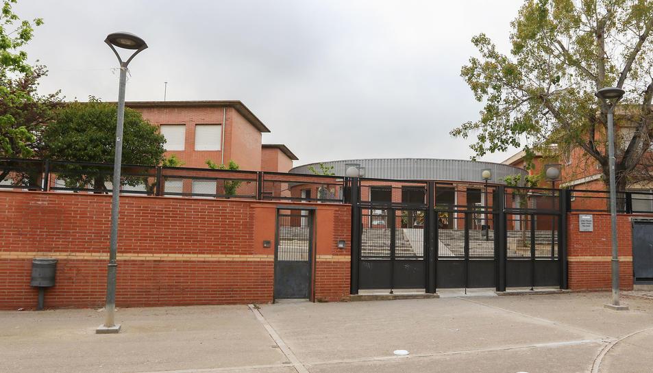Una imatge d'arxiu de la façana de l'Escola Rosa Sensat, situada a Mas Pellicer.