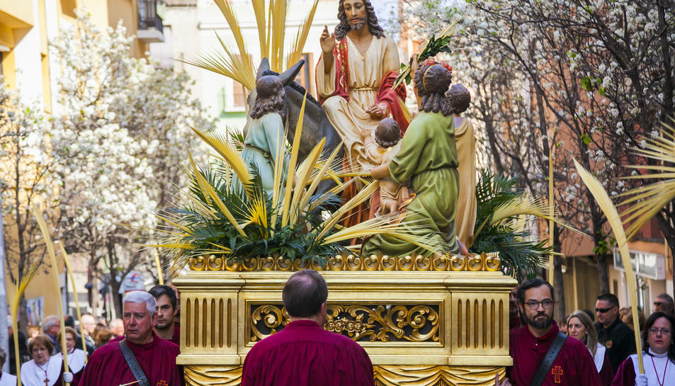 El misteri Entrada de Jesús a Jerusalem, de la Germandat Nostre Pare Jesús de la Passió, només surt en processó el Diumenge de Rams.