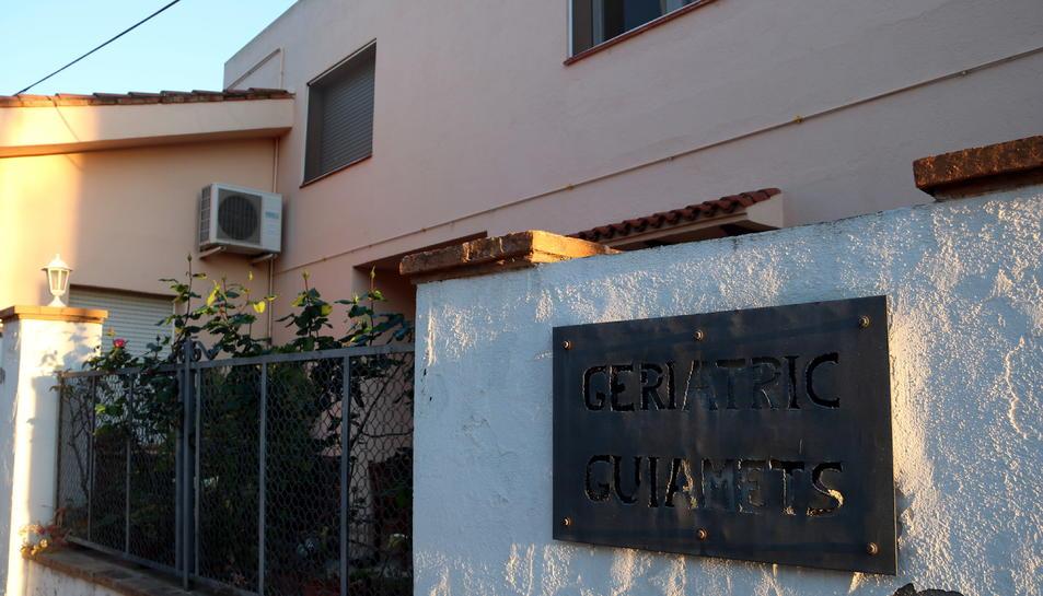 Imatge del geriàtric on Neus Català ha viscut els últims anys de vida, situat en el seu municipi natal.