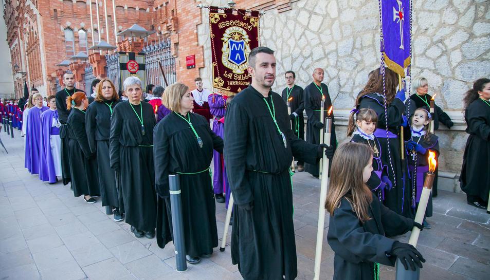 La Germandat del Sant Crist dels Gitanos va participar per primera vegada com a convidada.
