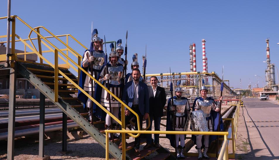 La signatura del conveni s'ha fet al complex Industrial de Repsol, al qual s'han desplaçat 6 armats del Gremi de Marejants.