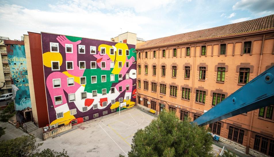 El mural fa més de 400 metres quadrats i gira a l'entorn de l'empoderament femení.