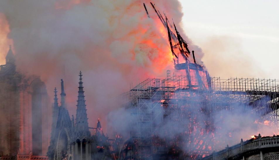 L'incendi de Notre-Dame, en imatges