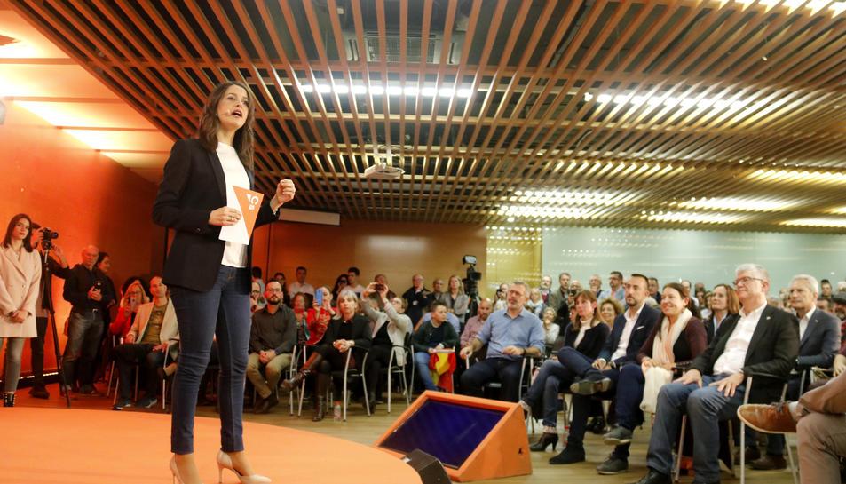 Inés Arrimadas durant l'acte electoral a Salou, aquest dijous.