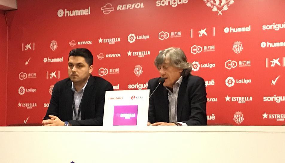Enrique Martín, acompanyat del director de comunicació del Nàstic, Adrián Batiste