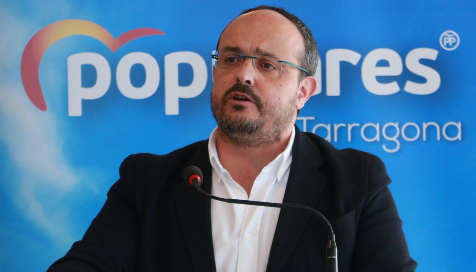 Pla curt del president del Partit Popular a Catalunya, Alejandro Fernández, en un míting a Salou el 21 d'abril de 2019 (Horitzontal)