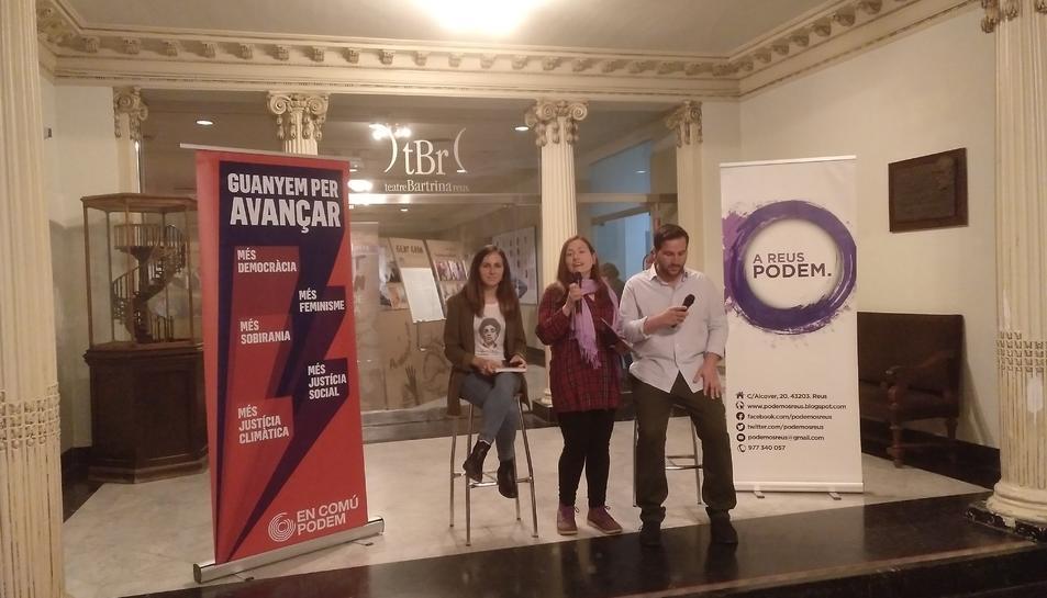 Ione Belarra, Pilar Flamenco e Ismael Cortés al acto de este lunes
