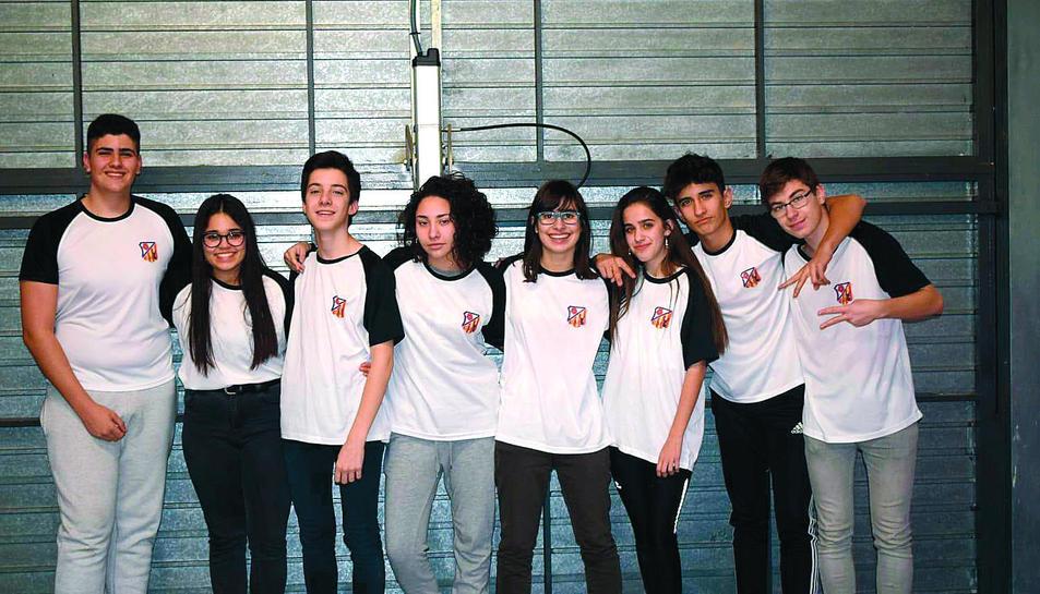 L'equip Lego Master de Reus està format per vuit joves estudiants de primer de batxillerat.