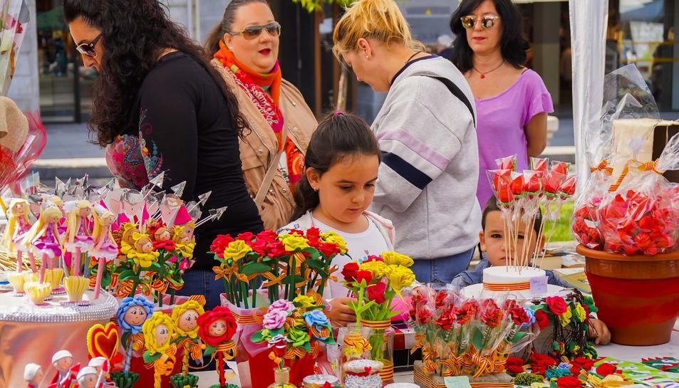 Diada de Sant Jordi 2019 en la Rambla Nova de Tarragona