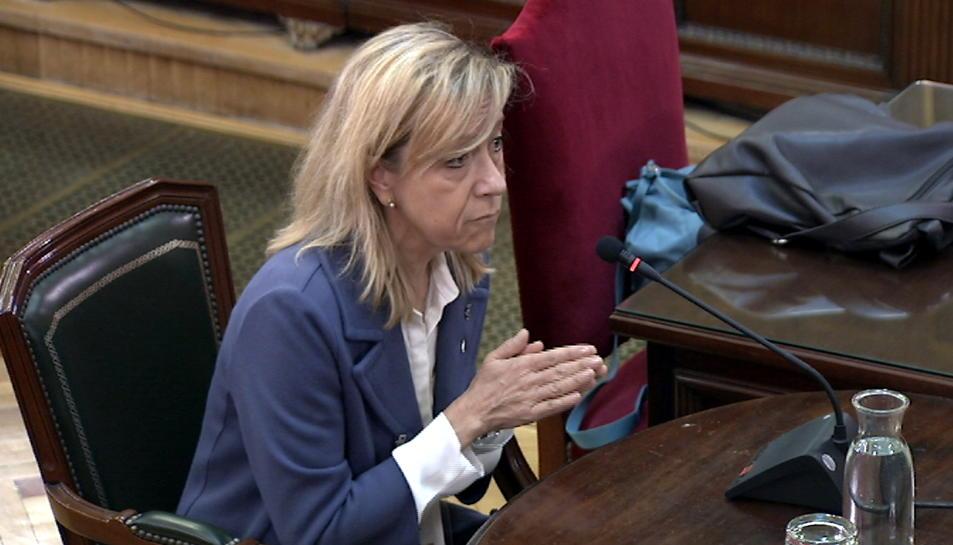 L'expresidenta de l'AMI i alcaldessa de Vilanova i la Geltrú, Neus Lloveras, declarant com a testimoni al Tribunal Suprem.