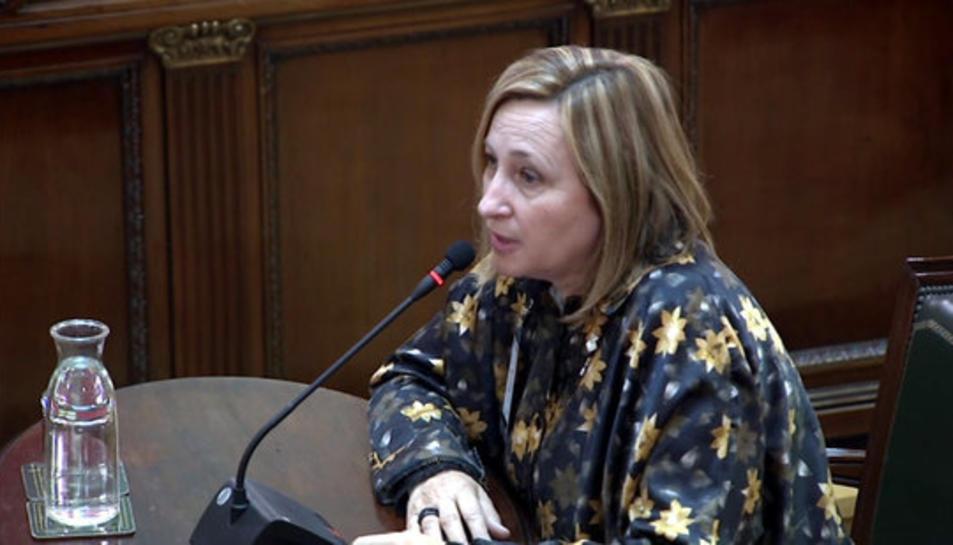 L'alcaldessa de Sant Vicenç dels Horts, Maite Aymerich, declarant al Suprem.