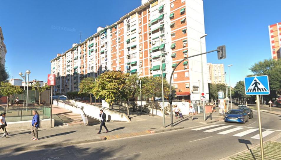 Imatge d'un edifici a l'avinguda de Sant Ildefons de Cornellà.