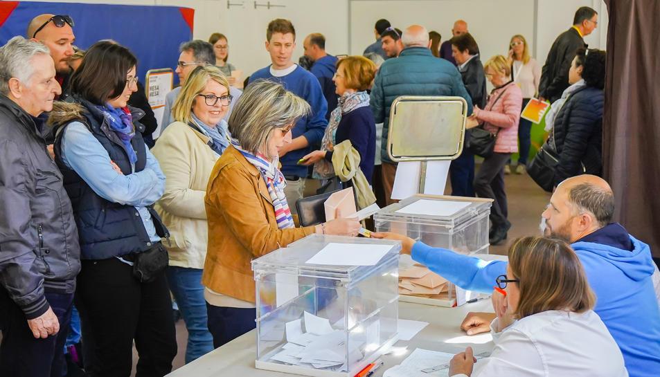 Imatge de votants a Tarragona.