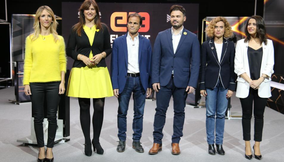Els candidats al 28-A Cayetana Álvarez de Toledo (PPC), Laura Borràs (JxCat), Jaume Asens (ECP), Gabriel Rufián (ERC), Meritxell Batet (PSC), i Inés Arrimadas (Cs).