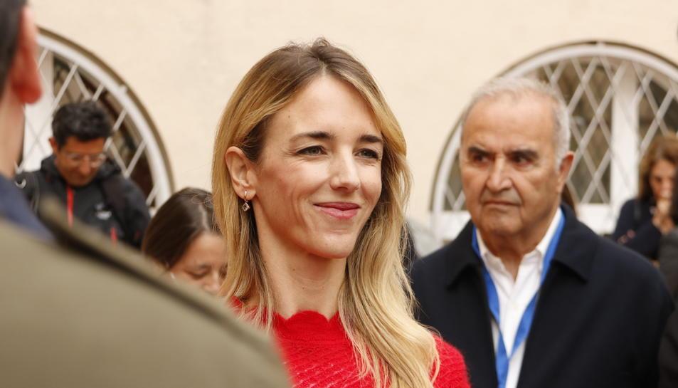 Primer pla de la cap de llista del PPC, Cayetana Álvarez de Toledo.