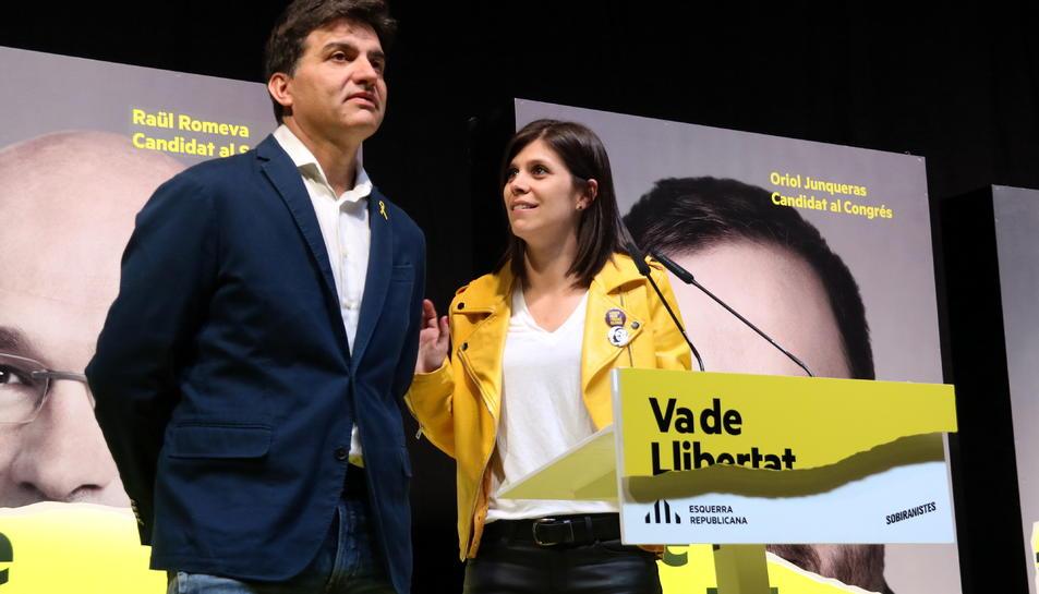 Pla mitjà de Sergi Sabrià, Vicesecretari general d'Imatge i Comunicació, i Marta VIlalta, portaveu d'ERC.