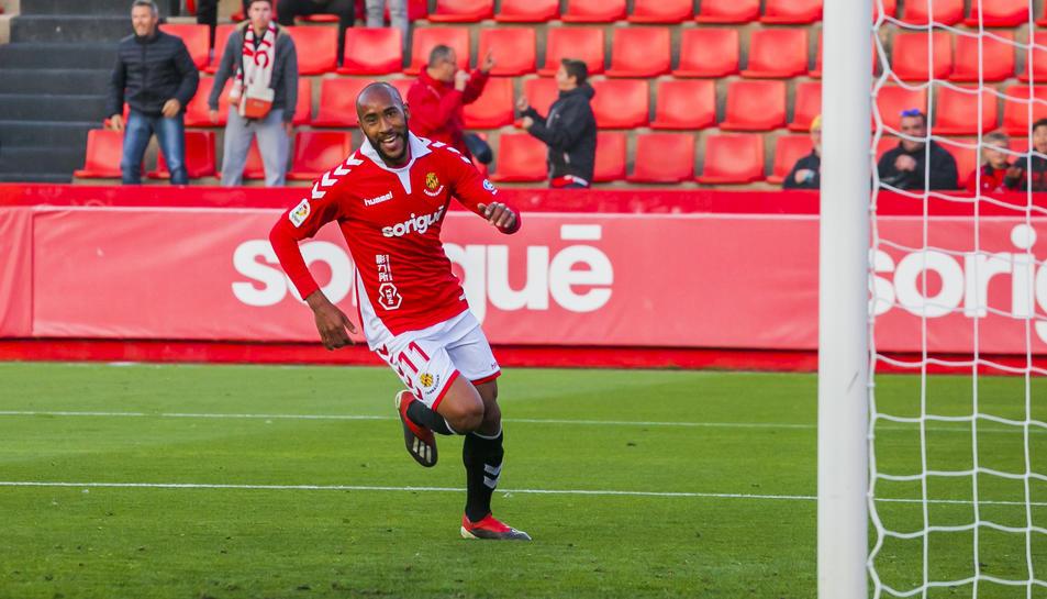 Kanté celebrant el gol anotat contra el Numancia al Nou Estadi.
