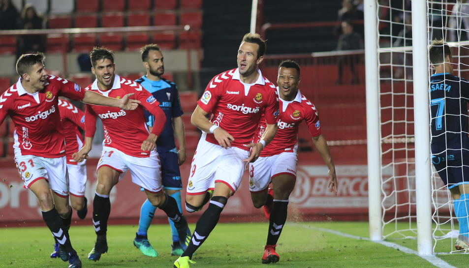 Berat Sadik celebrant el gol que donava els tres punts al Nàstic en el partit contra l'Albacete.