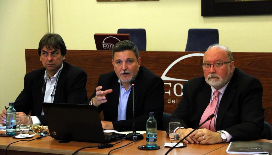 El president de la FEGP, Martí Sistané, el responsble de l'estudi David Moreno, i el secretari general adjunt de Foment, Salvador Guillermo.