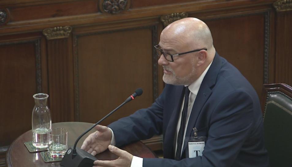 L'exvicepresident del Parlament, Lluís Corominas, durant la seva declaració.