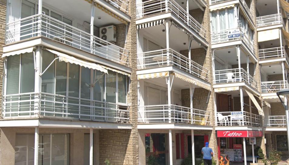 Imatge de diversos apartaments del carrer Girona de Salou.