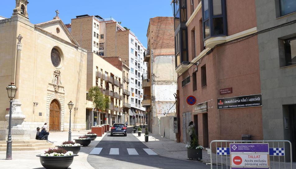 Foto de la plaça de la Sang reoberta al trànsit de manera provisional.