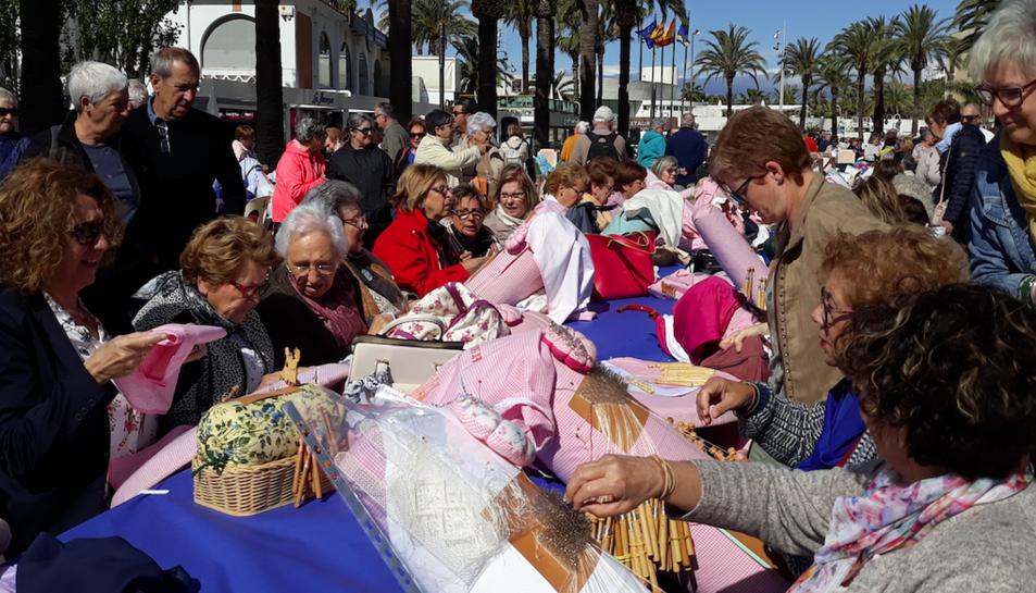Imatge de la trobada al Passeig Jaume I de Salou.
