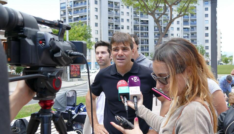 Imatge de la roda de premsa celebrada aquest matí al tram final de la Rambla President Lluís Companys.