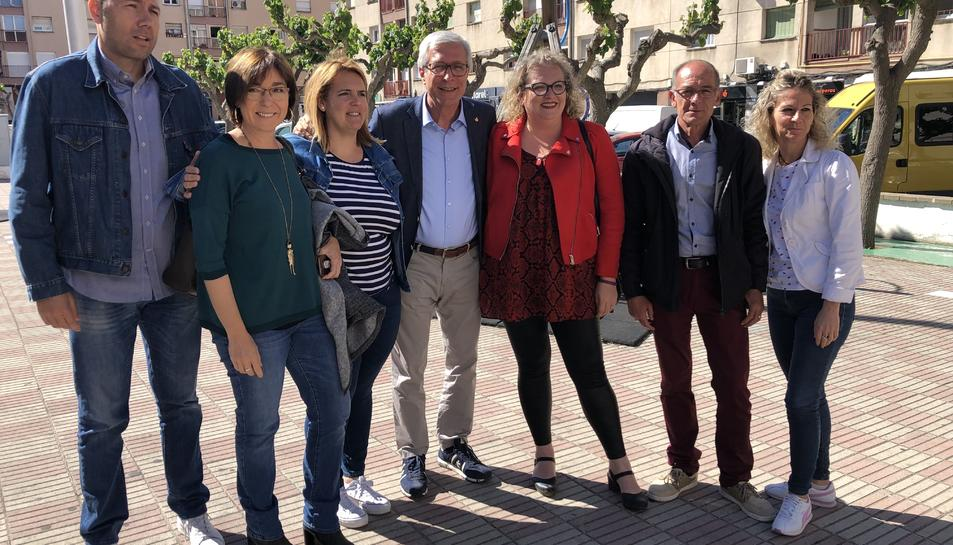 Ballesteros, rodejat dels seus candidats, ahir a Sant Pere i Sant Pau.