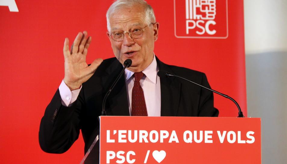 El ministre i candidat del PSOE al Parlament Europeu, Josep Borrell,en un míting electoral a Lleida,