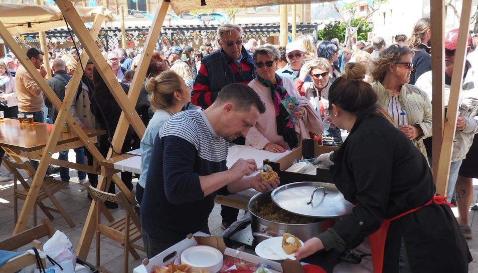 Les XX Jornades de la tonyina, previstes fins al 9 de juny, es van inaugurar ahir diumenge amb aquest esdeveniment gastronòmic