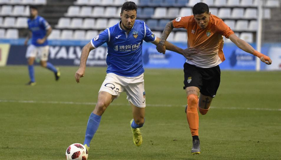 El davanter del Lleida Esportiu Pedro Martín ha marcat més gols que ningú en el grup tercer de Segona Divisió B.