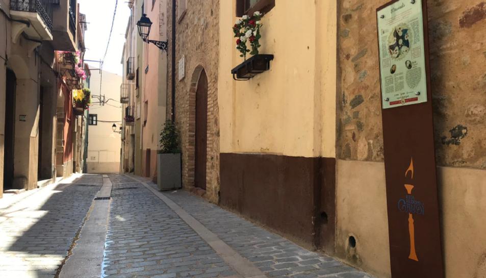 Un dels panells de la Ruta Gaudí Riudoms al carrer del Beat Bonaventura Gran.