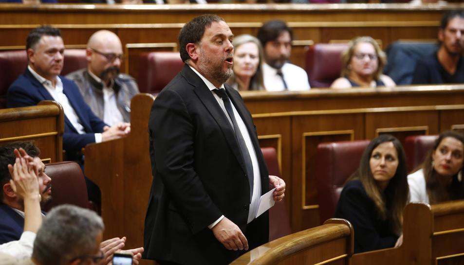 El líder d'ERC, Oriol Junqueras, en el moment de prometre la Constitució al Congrés dels Diputats el 21 de maig del 2019.