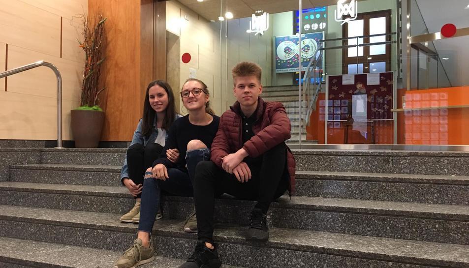 D'esquerra a dreta: Tzaitel Virgili, Ana Navarro i Gabriel Lettenström.