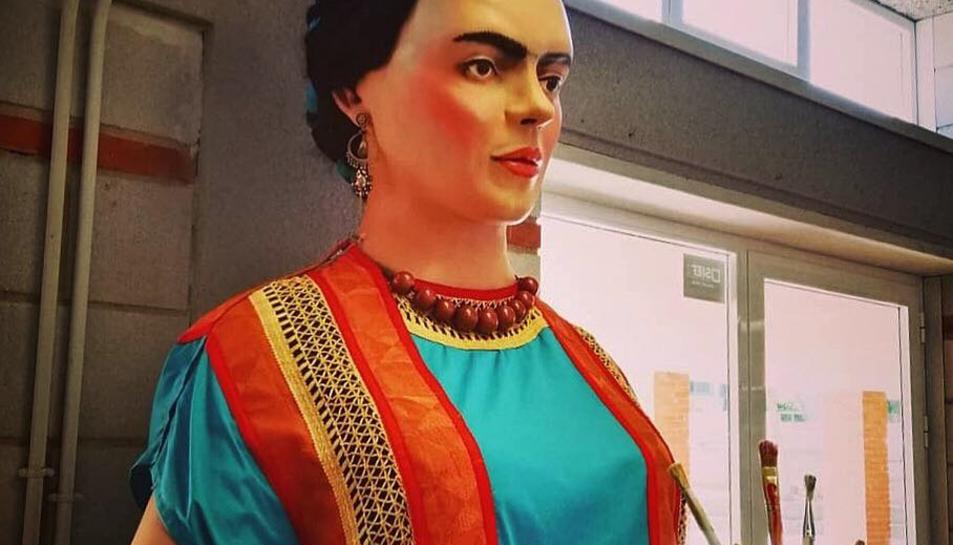 La geganta Frida s'exposarà en diversos centres cívics de Tarragona.