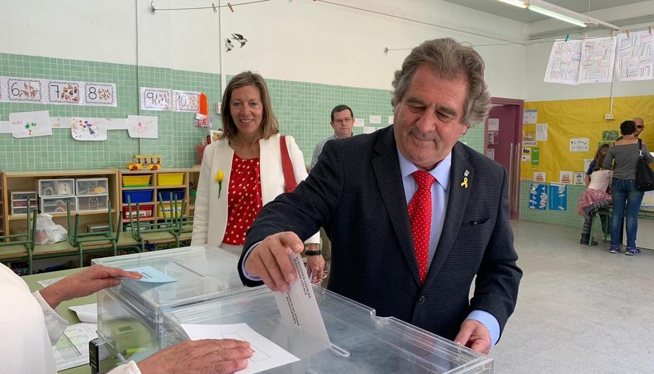 Josep Andreu votant a Montblanc.
