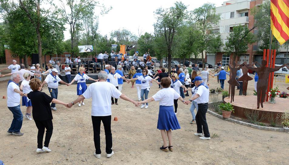 Imatge d'un instant de l'XI Aplec de Sardanes Vila el Morell, celebrat ahir diumenge.