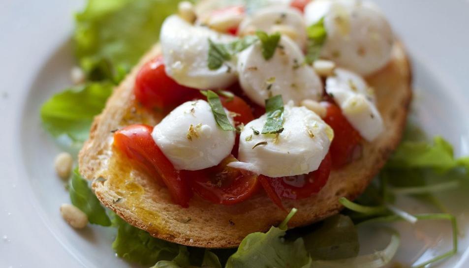 Els individus amb una major adherència a la dieta mediterrània tenen un 10% menys risc de mortalitat.