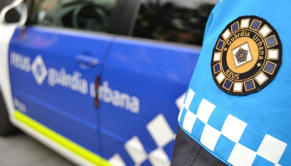 Agents de la Guàrdia Urbana van localitzar i detenir l'home ahir dimarts al carrer Dr. Ferran.