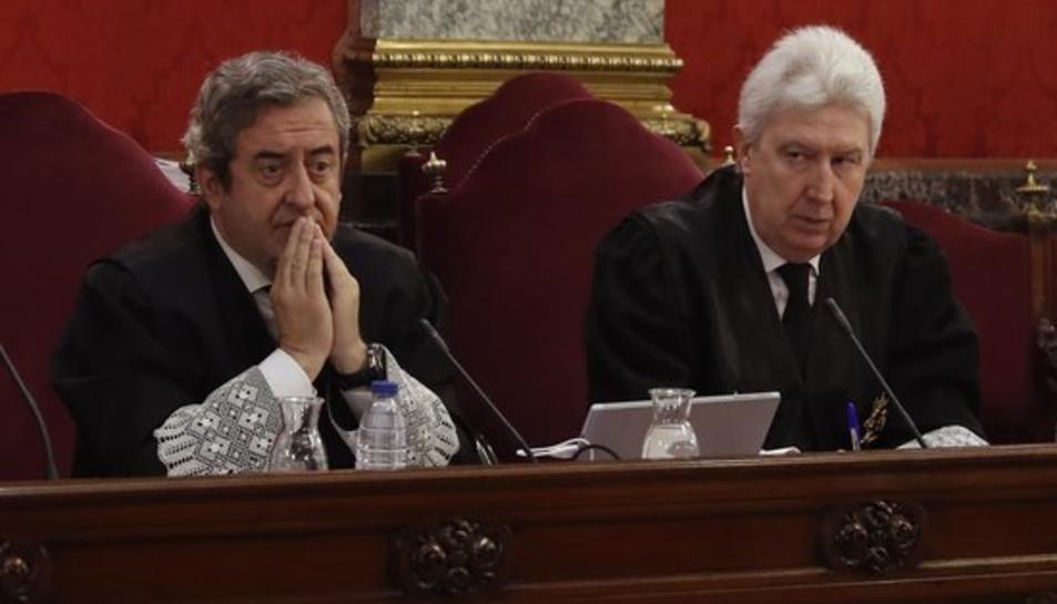 Els discals Fidel Cadena i Javier Zaragoza durant una sessió del judici de l'1-O al Tribunal Suprem.